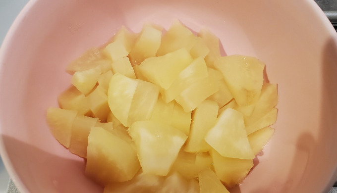 加熱後のカットしたりんご